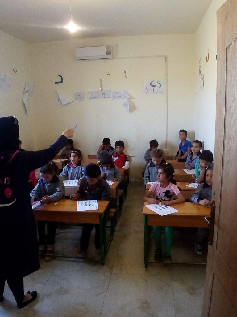 Школа для детей-беженцев в частном доме