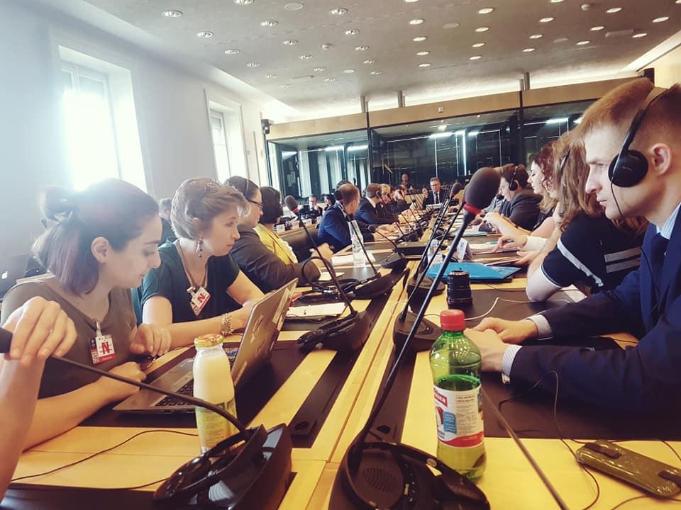Юрист Антон Щебак (справа) на сессии Комитета против пыток ООН